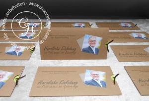 Einladung mit Kraftpapiermanschette und Foto