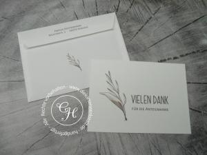 Stilvolle Trauerdanksagung im Querformat mit Watercolorzweig und passend bedrucktem Umschlag