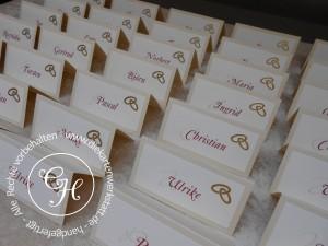 Namenskarte klassisch mit goldenen Ringen